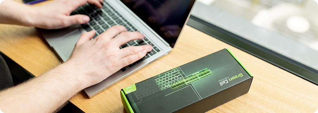 Wie viel sollte der Akku im Laptop aufbewahrt werden?