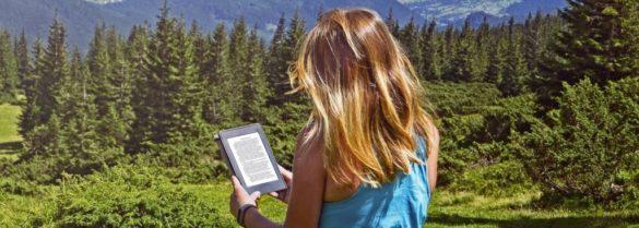 e book reader und madchen