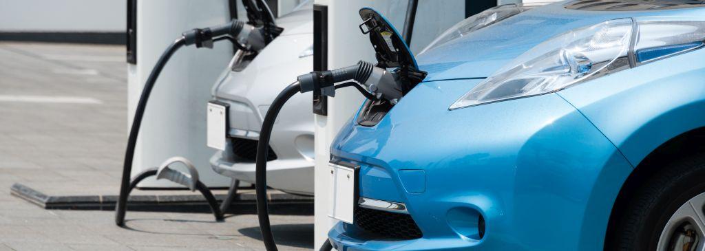 Wieviel kostet das Aufladen von Elektroautos?